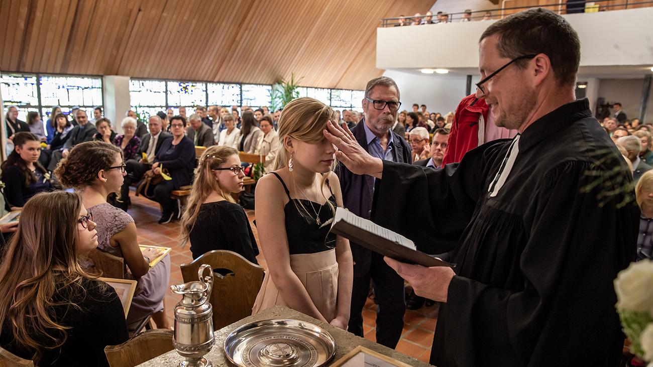 Pfarrer Ole in Action im Auftrag des Herrn in seiner Heimat im Schwarzwald. Inzwischen arbeitet er als Religionslehrer. | privat